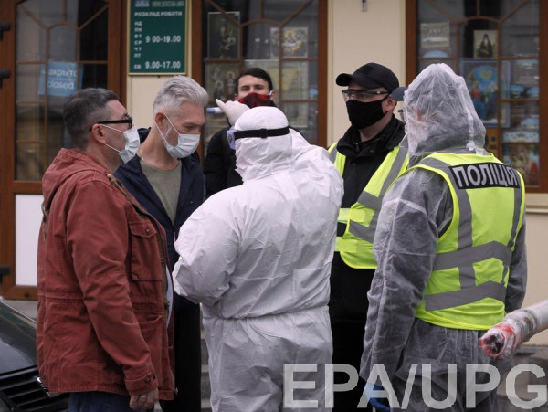 В Киеве за сутки заразились 400 человек