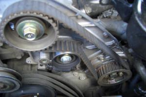 Замена ремня газораспределительного механизма (ГРМ)-448145.