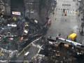 На Грушевского разобрали часть баррикад и построили ворота