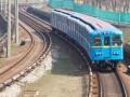 В Киеве с крыши поезда метро сорвался зацепер