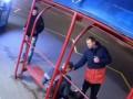 Камеры засняли, как двое киевлян издевались над пьяным мужчиной