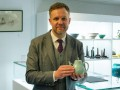 Старый чайник принес британцу один миллион