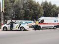 В Киеве разбился мотоцикл: мужчина погиб, другого доставали из озера