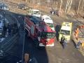 В аэропорту Москвы пожарная машина  сбила людей, погибла женщина