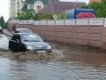 Потоп в столичных Беличах превратил улицы в озера