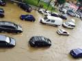 Дождь в Киеве превратил дороги в реки