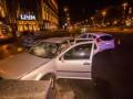 В Киеве на Крещатике столкнулись Ford и Volkswagen, пострадала девушка