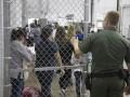 Трамп хочет без суда высылать мигрантов из США