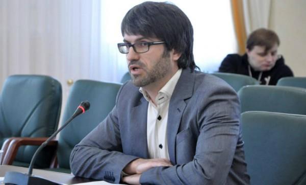 Романа Заворотного, подозреваемого ввыдаче оружия для расстрела Майдана, выпустили изСИЗО