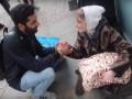 Британец раздал поздравительные открытки и подарки бездомным в Рождество