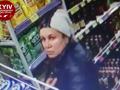 Появилось видео, как в киевском магазине работают карманники
