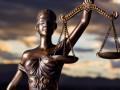 Мужчина, живший с четырьмя детьми в лесу, добился в суде отцовства