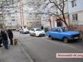 В Николаеве пенсионер оставил внука и выбросился из окна