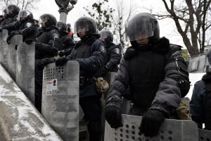 Милиция начала штурм - оппозиция