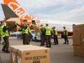 Нацгвардейцы разгрузили последний самолет с медицинской помощью из Китая
