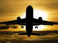 Оценен риск заражения COVID в самолете