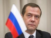 В РФ преподавателя заставили уволиться после показа детям фильма о Медведеве