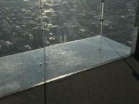 В США треснул стеклянный пол на высоте 442 метра