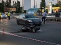 В Киеве мотоциклист устроил тройное ДТП с полицейским Prius и еще одним мотоциклом