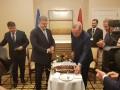 Эрдоган подарил Порошенко именной торт