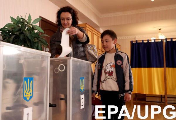Украинцы довольно активно голосуют на выборах президента