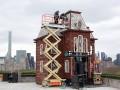 Дом из фильма Психо Хичкока построили на крыше музея