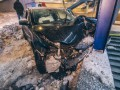 В Киеве автомобиль протаранил подземный переход