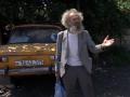 В Запорожье сын выселил 92-летнюю мать в машину ради животных