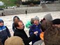Попов пообещал митингующим на Майдане туалеты и палатку для обогрева