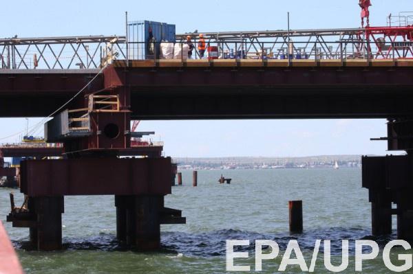 Строители моста через Керченский пролив подняли содна самолет времен ВОВ