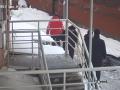 В Сети появилось видео падения матери и ребенка из окна многоэтажки в Киеве