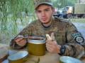 Кабмин расширил рацион питания военных салом, медом и витаминами