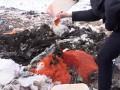 Сепаратисты раздавили бульдозером 85 кг красной икры