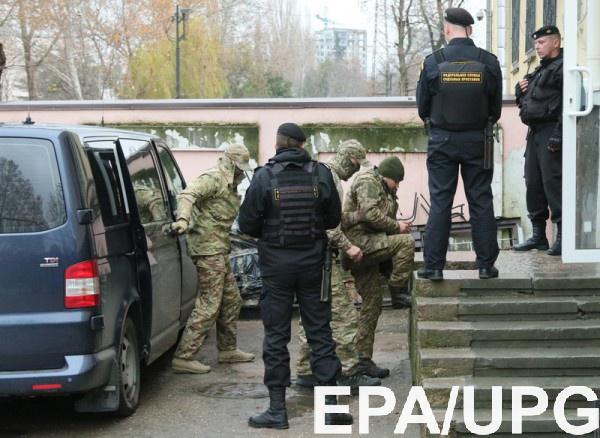 Семьям захваченных в плен на Азовском море моряков могут достаться такие же деньги, как и семтям политзаключенных