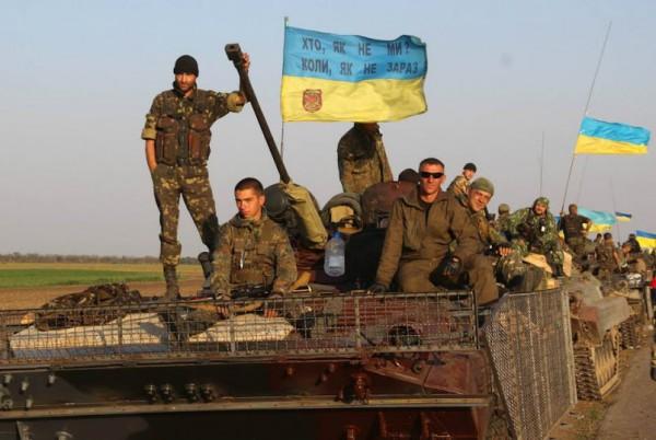 Порошенко отменил 23 февраля и сделал 14 октября Днем защитника Украины
