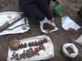 На Николаевщине в заброшенной шахте нашли тайник с боеприпасами