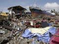 Число жертв тайфуна на Филиппинах выросло до 5,7 тысячи