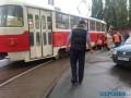 В Киеве сошел с рельс трамвай и перекрыл движение
