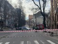 В Киеве из-за подозрительного предмета перекрыли улицу