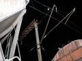 В Киеве подросток залез на крышу поезда и получил мощный разряд током