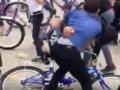 В Чечне устроили массовую драку из-за бесплатных велосипедов