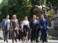 Петр Порошенко поздравил соотечественников с Днем Конституции