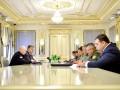 Порошенко поручил организовать телефонный разговор с Путиным