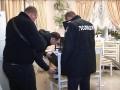 В Киеве вооруженные мужчины в масках ограбили дом