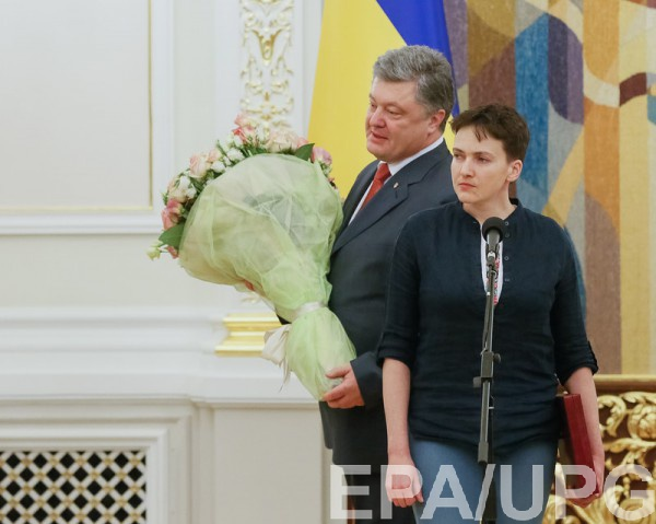 Савченко и Порошенко выступили перед журналистами в АП