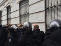 За поиск личных данных избивших активистов полицейских завели дело