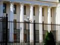 Турчинов дал поручение немедленно демонтировать забор вокруг парламента