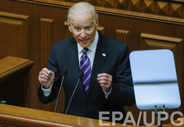 По словам Байдена, если Украина будет медлить с реформами, то санкции против РФ могут быть сняты