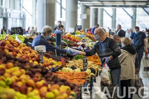 Украинские фермеры вынуждены за бесценок продавать ранний урожай