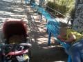 В Днепре горе-мать уснула на улице, забыв о малыше